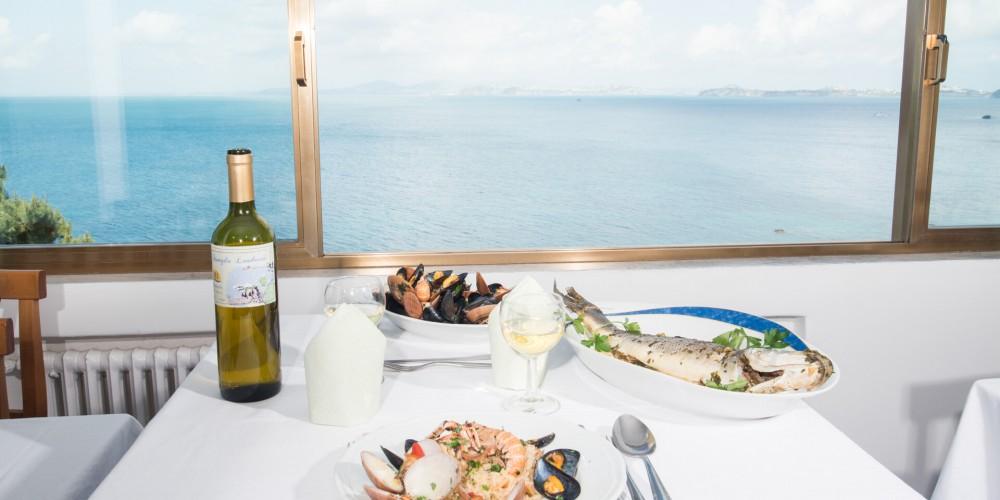 pranzo vista mare